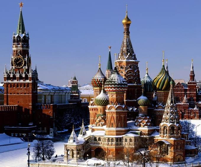 http://www.8thingstodo.com/wp-content/uploads/2013/02/Kremlin-Moscow.jpg