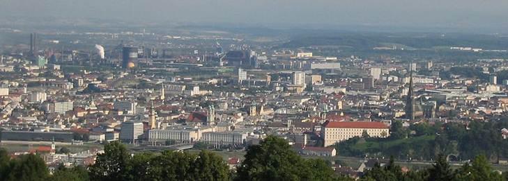 File:Linz Donau.jpg