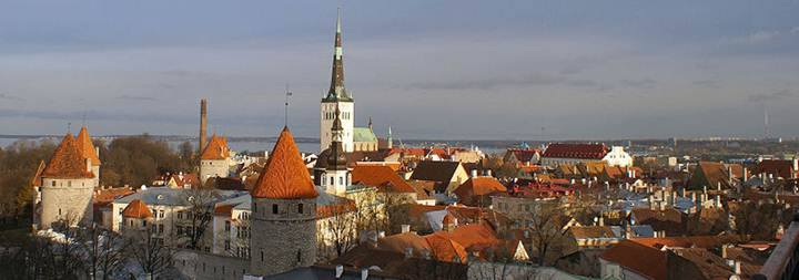 Description: File:Tallinn-view-from-Tompea.jpg