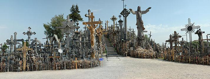 File:Hill-of-crosses-siauliai.jpg
