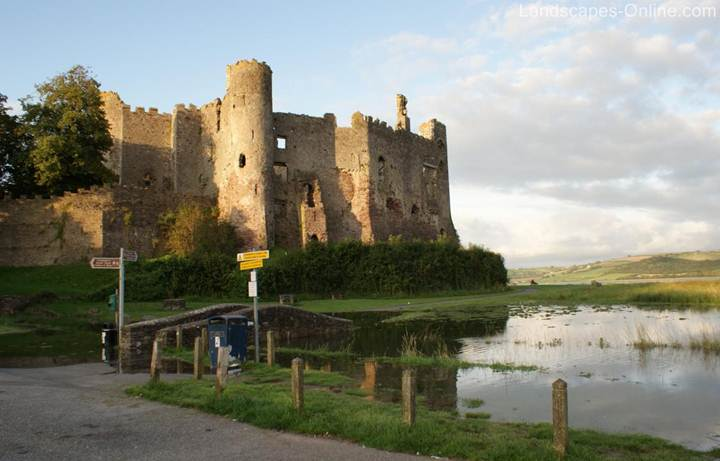 http://landscapes-online.com/photos/LaugharneCastle.jpg