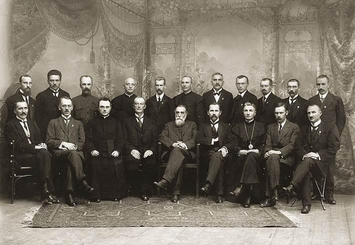 File:Signatarai.Signatories of Lithuania.jpg