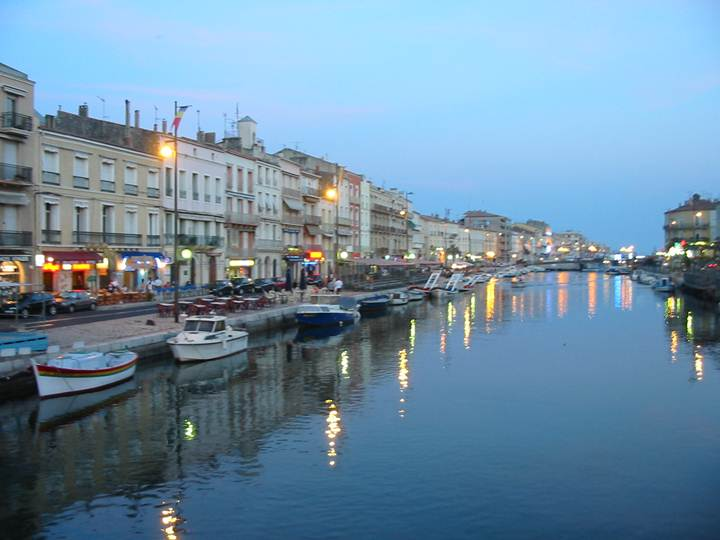 http://upload.wikimedia.org/wikipedia/commons/8/8e/Sete_France.jpg