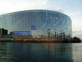 http://4.bp.blogspot.com/_TVJIpHGU2Ww/TNAw5pm9QdI/AAAAAAAAAUA/W8OVu6nkDzc/s400/Visit+Strasbourg+9.jpg