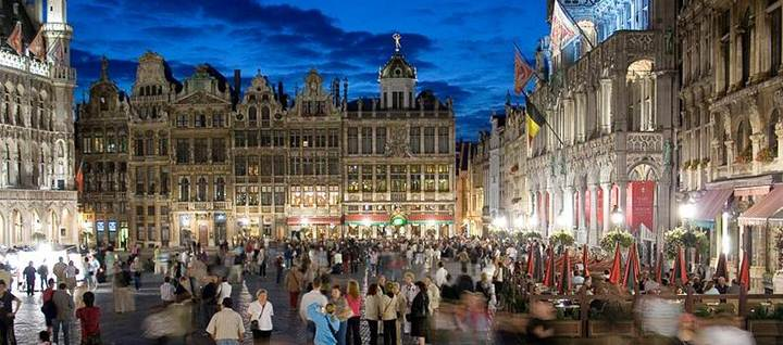 File:Grand place Brussels.jpg