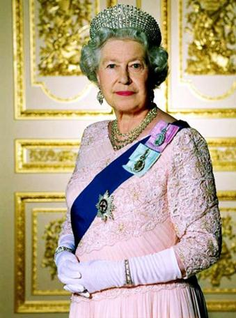 http://www.royal.gov.uk/Legacy%20Assets/unsorted%20images/MC%20Download%20Queen%20large.jpg