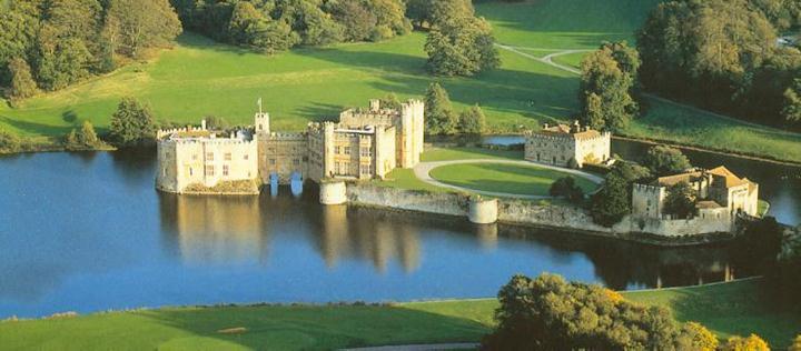 http://www.castles.org/castles/Europe/Western_Europe/United_Kingdom/England/Leeds-Leeds/leeds%201.jpg