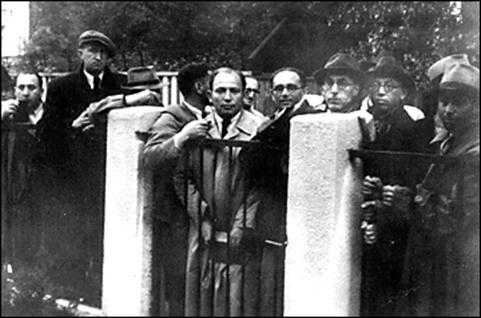 http://www.jewishvirtuallibrary.org/jsource/Holocaust/sugihara2.gif