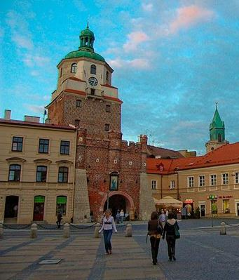 Description: File:Lublin, Stare Miasto - Brama Krakowska i Plac Łokietka (2009-06-12).jpg