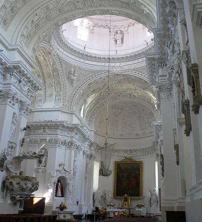 File:Lithuania Vilnius St.Peter+St.Paul church inside 1.jpg